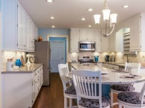 Bright eat in Kitchen - Case Design/Remodeling Halifax