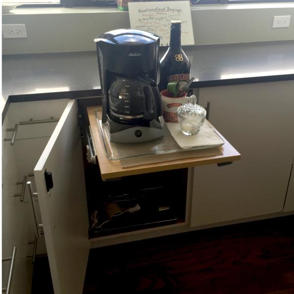 Kitchen_remodel_black_countertop_Popup_breakfast_bar