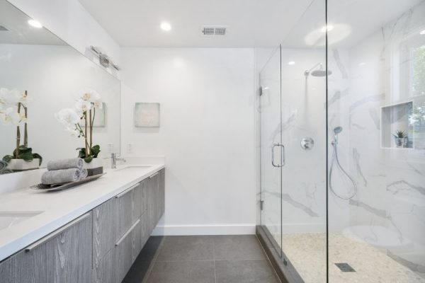 5 Tips on how to clean shower glass door